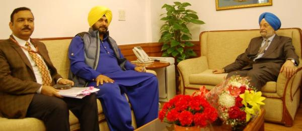 Navjot Sidhu announces kick-starting of smart city projects in 3 cities