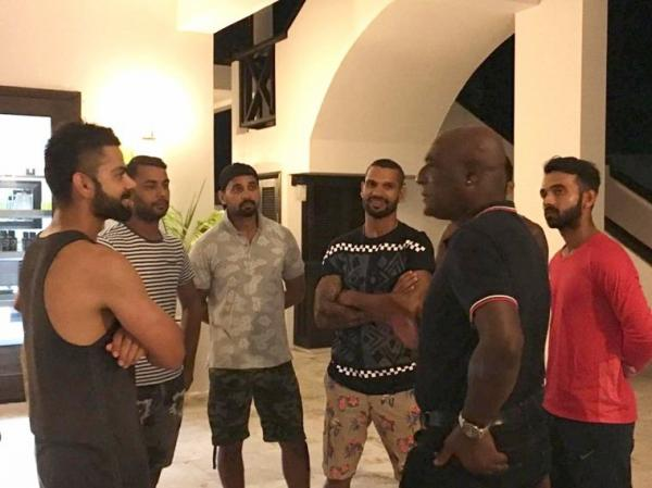 Indian Cricket team meets Sir Vivian Richards at Antigua ahead of 1st Test against West Indies