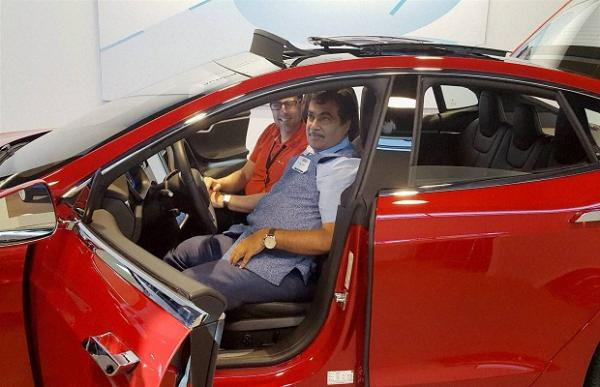 Nitin Gadkari offers land to Tesla for an Indian manufacturing unit