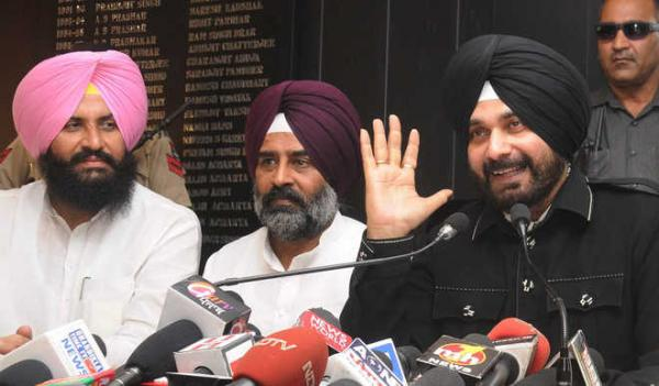 Sidhu formally launches Awaaz-e-Punjab; lambast Kejriwal's 'intent'