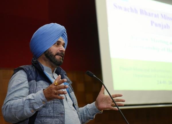 Pull out all stops to ensure Punjab comes out top in Swachh Bharat sarvekshan: Sidhu