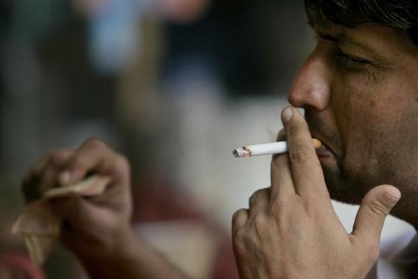 Health department's drive against tobacco: Challans over 8 thousand offenders in 3 months