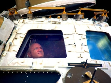 'We did it!' ISS Astronauts on Way Home After Year in Space