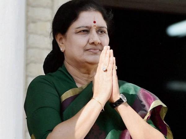 Sasikala set to become next Tamil Nadu CM as Panneerselvam resigns