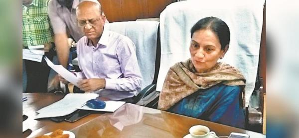 CM to ask Aruna to check husband's interference