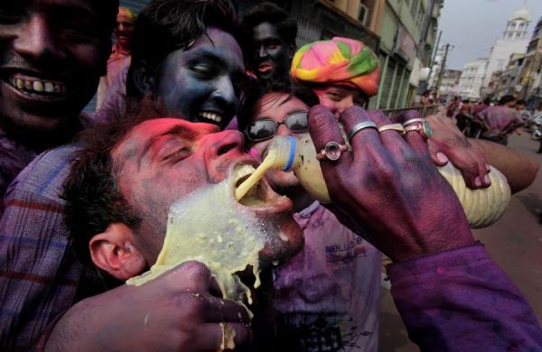 PAK: 17 Hindus dead, 9 critical after consuming hooch prepared for Holi
