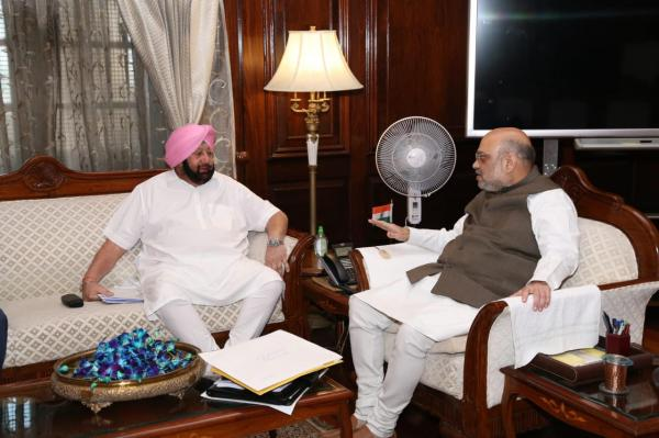 Amarinder requests Amit Shah to take up issue with Pak govt