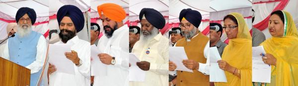 Badal Administers Oath To Six New Chief Parliamentary Secretaries
