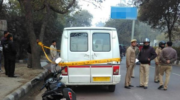 Bike-borne men shoot school van driver, kidnap student in Delhi