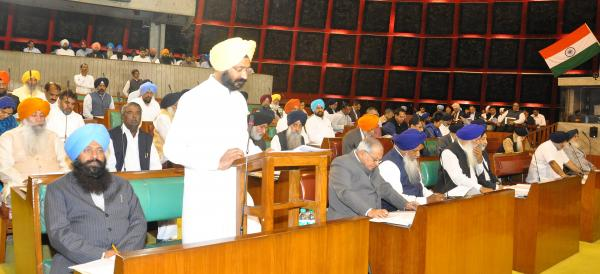 Dhindsa presents election-year, tax-free Budget