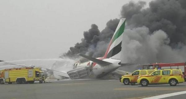 Emirates airliner from Thiruvananthapuram with 300 onboard crash lands in Dubai