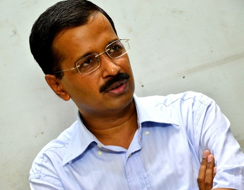 Kejriwal looses war; HC tells him Jung is the King