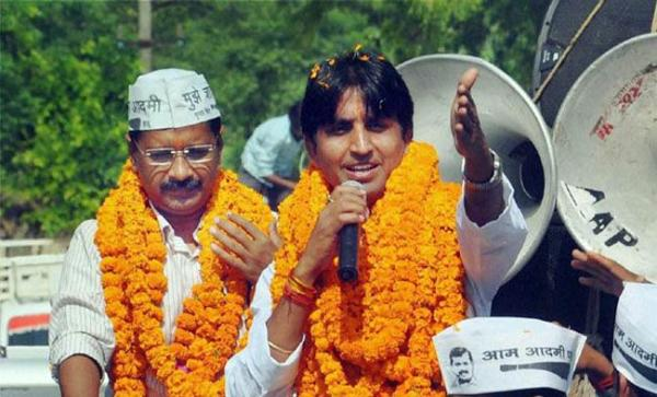 I was punished for speaking the truth: Kumar Vishwas attacks AAP