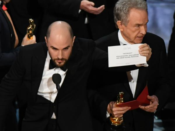 Oscars goof-up: La La Land announced Best Picture instead of Moonlight