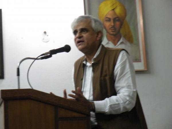 P Sainath calls for gherao of Parliament by a million farmers